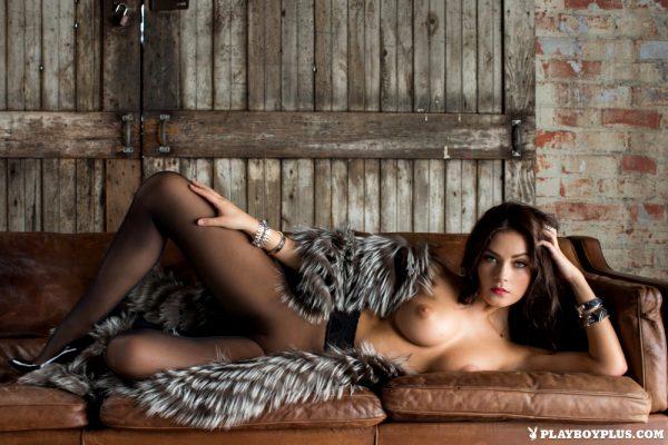 alexandra-tyler-lap-luxury_001